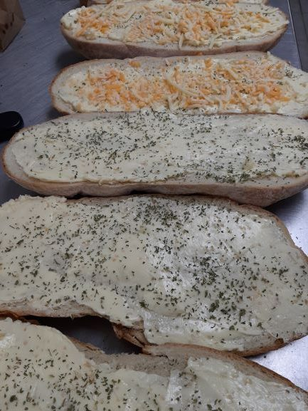 Garlic Bread with 3 Cheeses